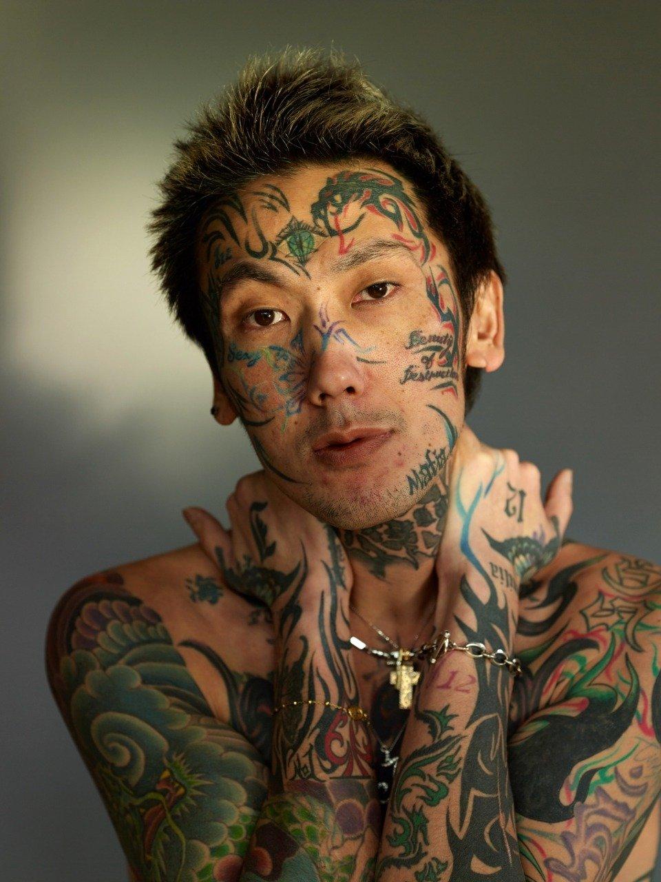 元アウトローのカリスマ!瓜田純士が顔にタトゥーを入れた理由