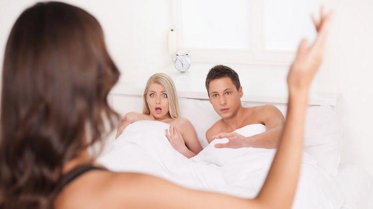cheating 1.jpg?resize=1200,630 - 既婚女性と独身男性のアブナイ托卵計画
