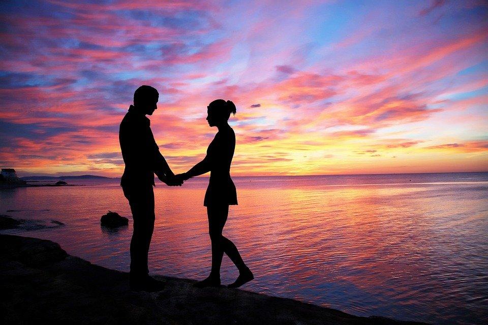 couple-love-1807857_960_720