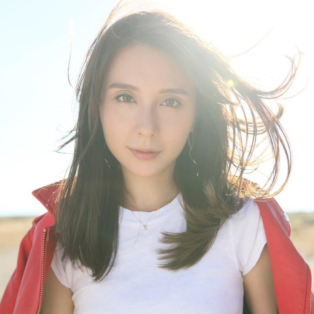 cover ultimatekaraoke singer mayj VVyJ HRz - 究極のカラオケ歌手「may j」のカバー以外の曲って何がある?