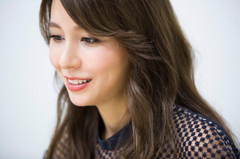 cover ultimatekaraoke singer mayj photo02 - 究極のカラオケ歌手「may j」のカバー以外の曲って何がある?