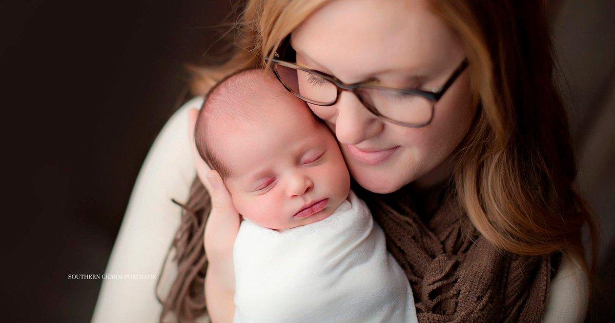 cover22 4.jpg?resize=1200,630 - Después de 24 años esta bebé vio la luz, su mamá es un años menor que ella