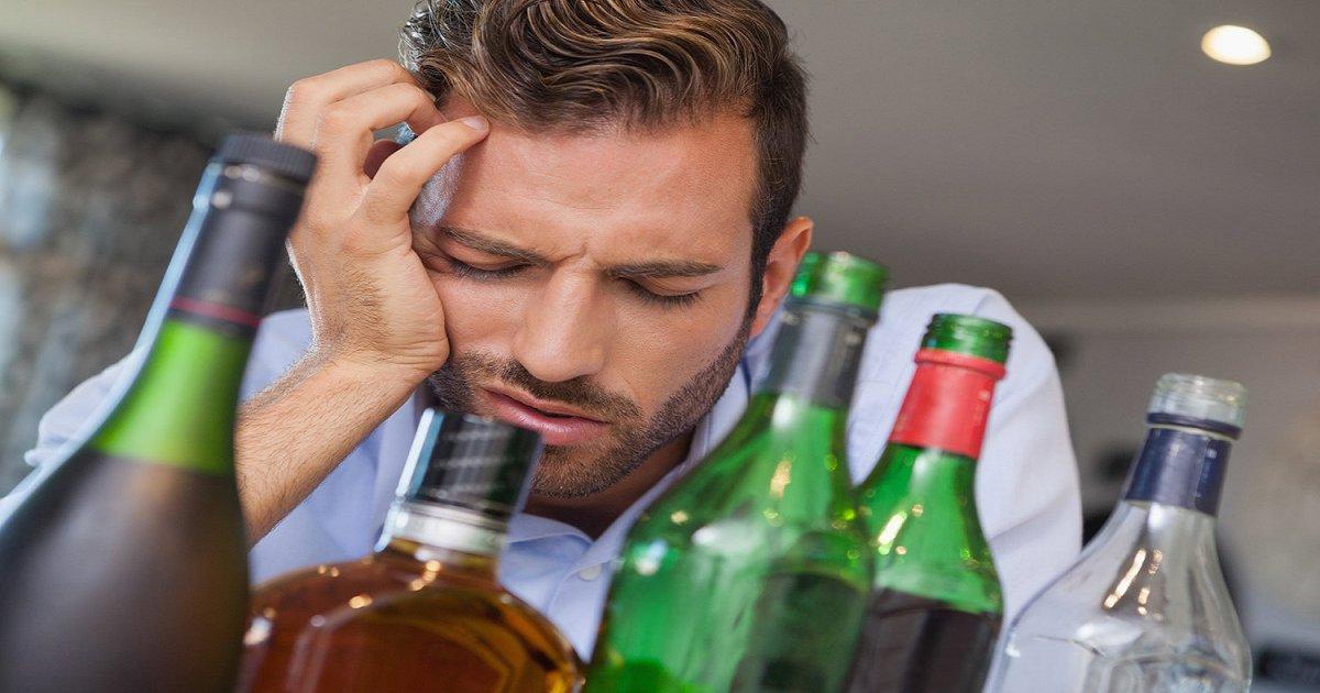 eab080.png?resize=648,365 - 술, 부모한테 배우지 않으면 '과음'할 가능성 3배 높다