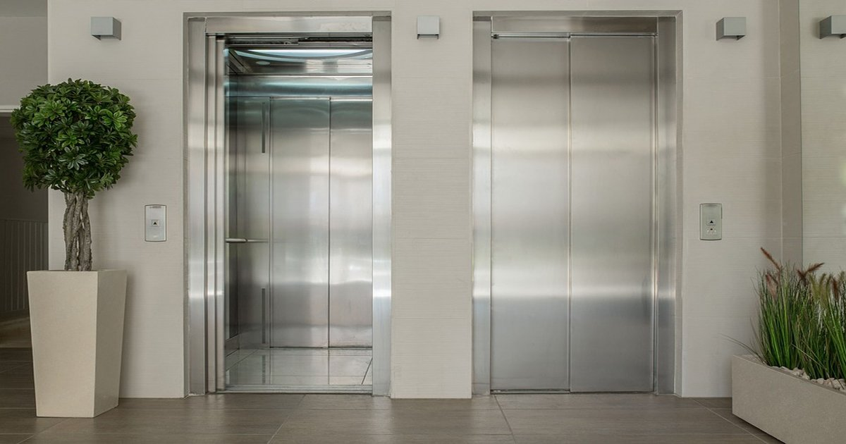 ec8baced858c.jpg?resize=648,365 - 엘리베이터 타는 위치로 알아보는 '19금 욕구' 테스트