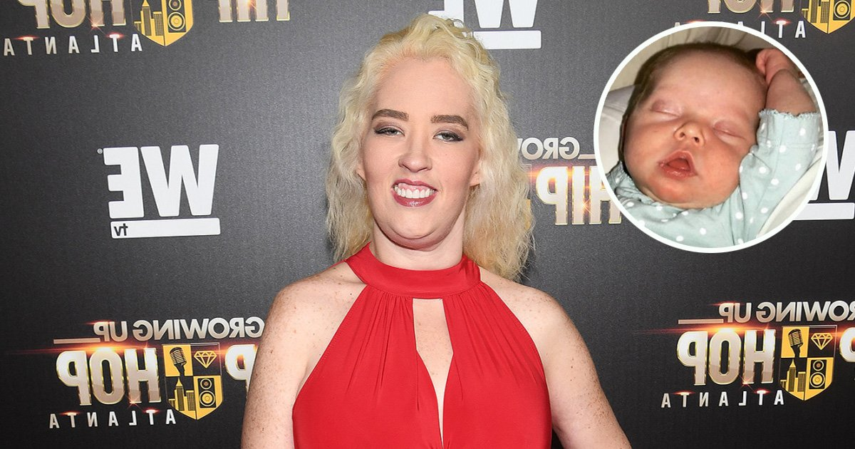 ec8db8eb84ac7 9 - Mama June Poses With Her One Month Old Grand-Daughter On the Red Carpet