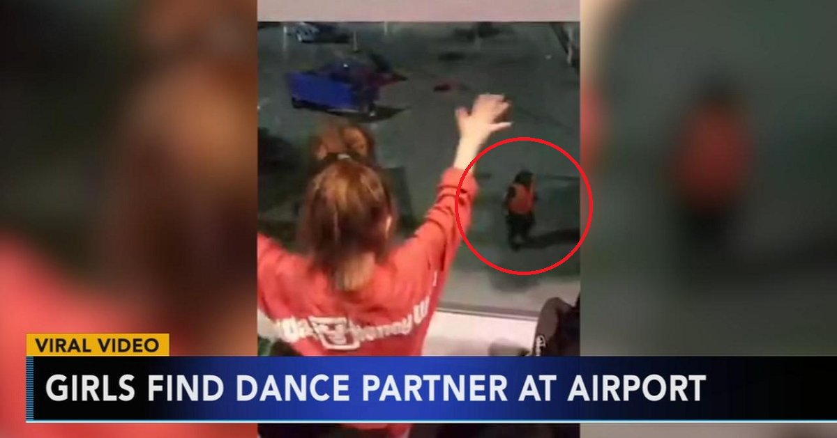 eca09cebaaa9 ec9786ec9d8c 29.png?resize=636,358 - Dad Captures His Daughters Who Found The Best Dance Partner At The Airport