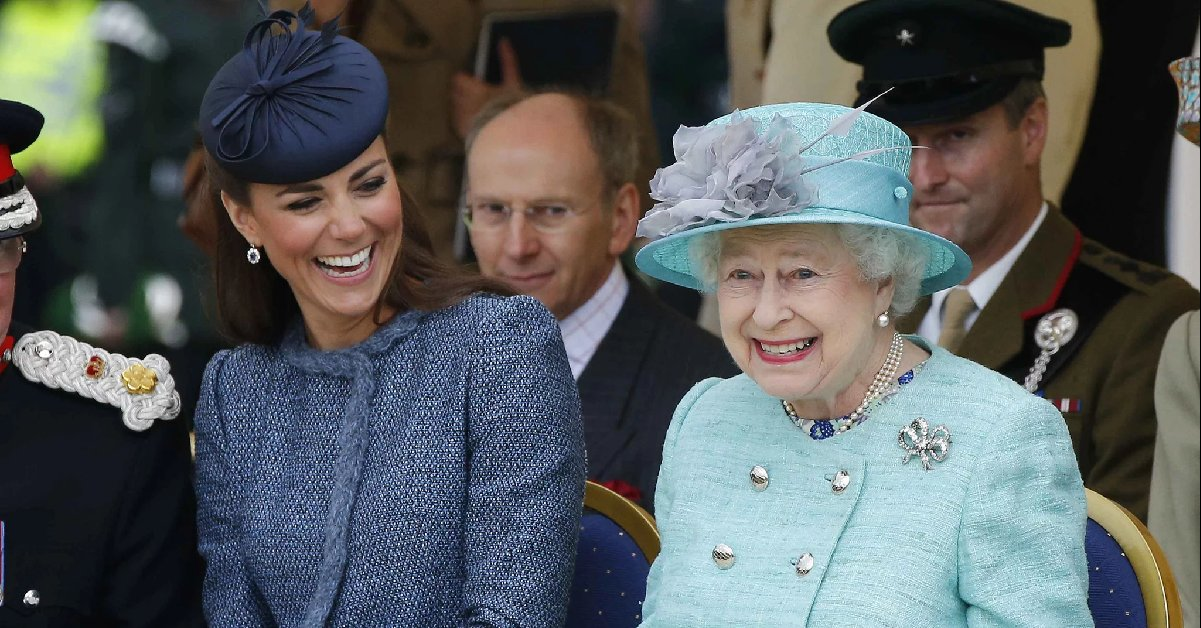 eca09cebaaa9 ec9786ec9d8c1 4.png?resize=300,169 - Kate Middleton's Handmade Gift to the Queen Shows Us The Depth Of Their Relatinoship