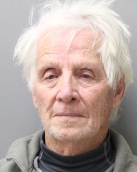 "elderly couple arrested for having marijuana DRqYm90VQAE7zxw - Elderly Couple Arrested For Having Marijuana As ""Christmas Presents"""