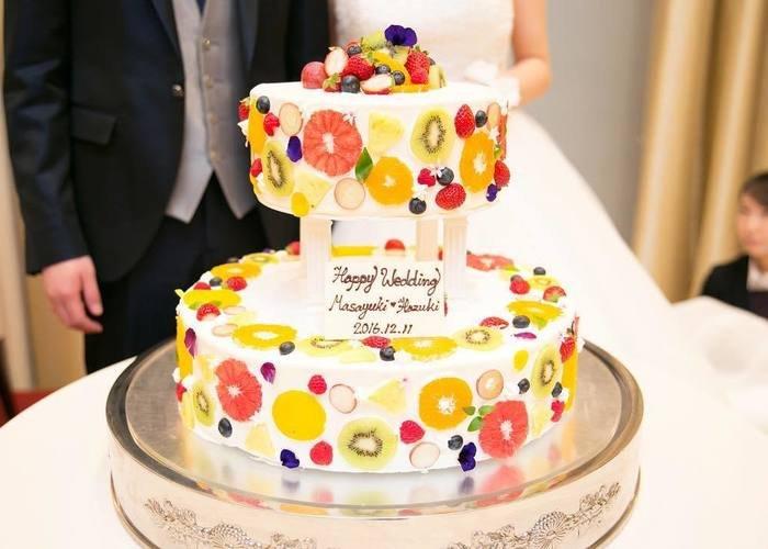 ウェディングケーキデザイン 断面フルーツ에 대한 이미지 검색결과
