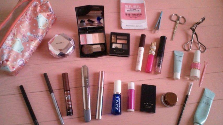 化粧ポーチ,中身에 대한 이미지 검색결과