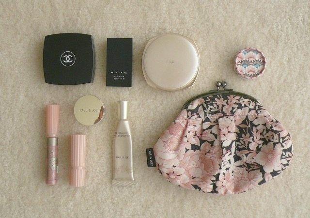 化粧ポーチ,中身 女子大生에 대한 이미지 검색결과