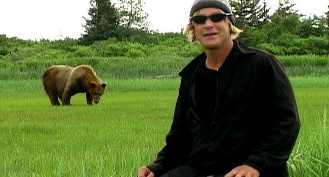 grizzly man 650x350.jpg?resize=1200,630 - 壮絶な最期!クマを撮影し続けたグリズリーマンとは?