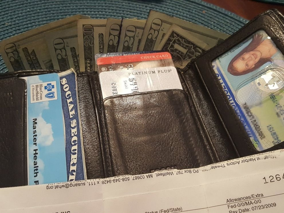 ht wallet return1 mem 170323 4x3 992 1 - Woman Finds Stolen Wallet After Eight Years With $141 and Cards Inside