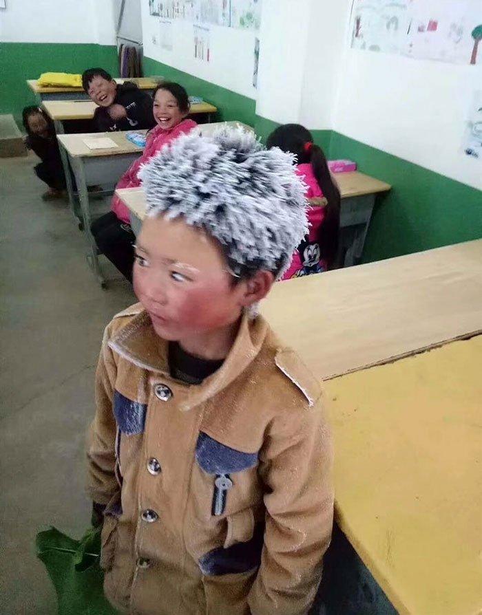 ice-boy-walk-freezing-cold-school-wang-fuman-china-1