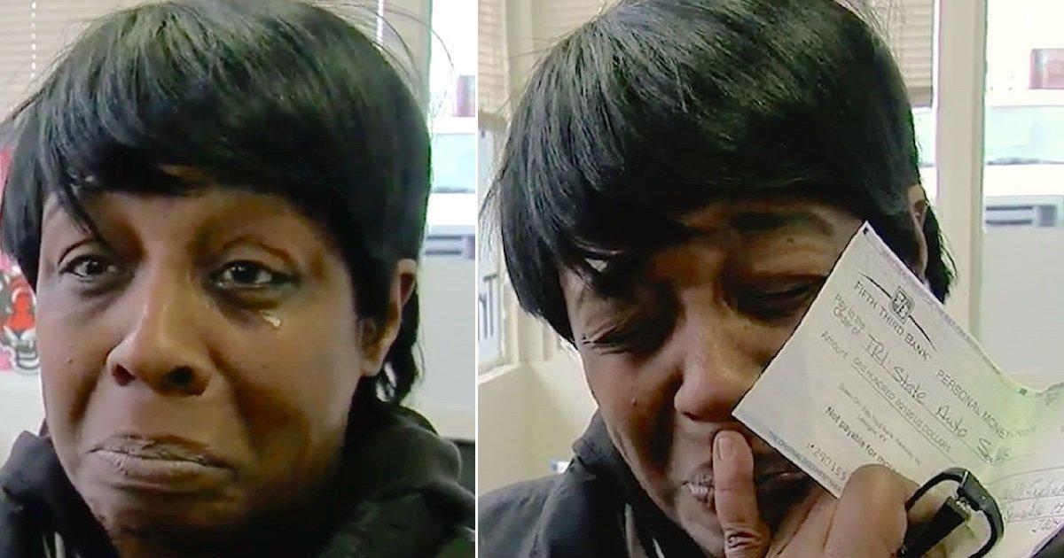 ih7g.jpg?resize=1200,630 - Mulher severamente adoecida traz US$ 100 para pagar dívida do seu carro, mas a concessionária não aceita o cheque: entenda essa história
