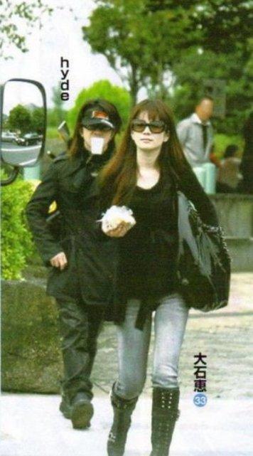 img 5a490a9581593 - 人気ヴォーカリストのhydeさんと妻の大石恵さんについてまとめてみました。
