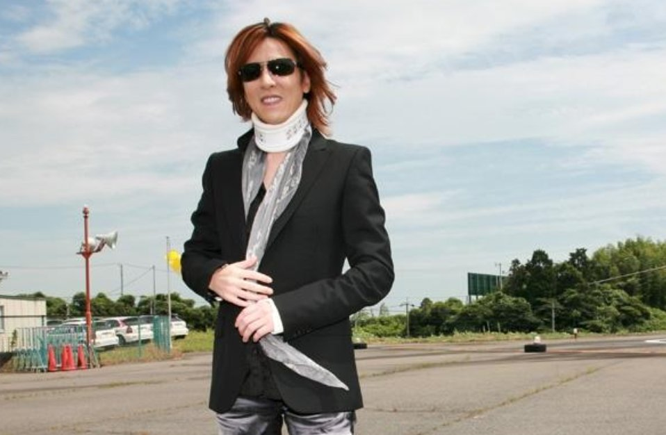 img 5a62fd3a0210d.png?resize=1200,630 - 超豪華な自宅を持つXJAPANのyoshikiの年収とは?