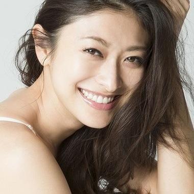 沖縄…美人多すぎっ!女優・歌手〜SNS一般人な …