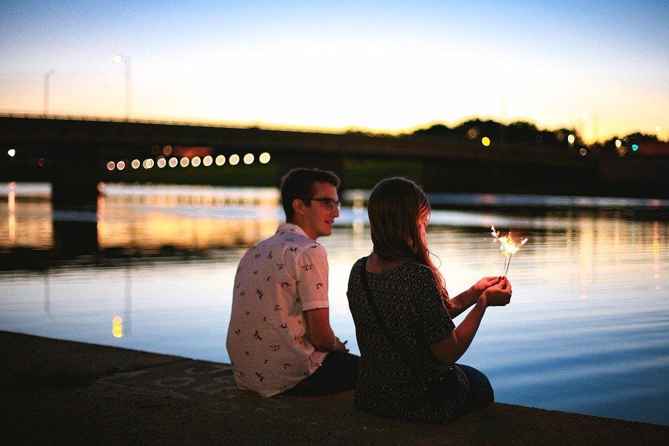 img 5a6c0d2d7d947 - 행복한 관계인 커플이 '의식적으로' 매일 하는 7가지 행동