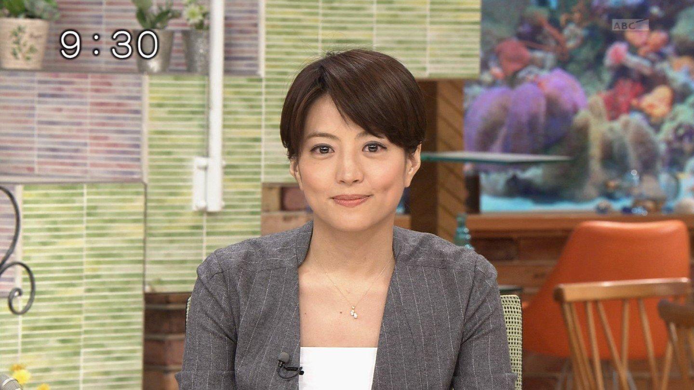 img 5a6c7dc05625b - フリーアナウンサーの赤江珠緒さんはグラビアをしたことがある