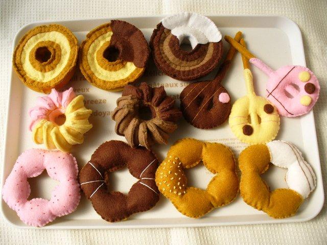 img 5a6dc620e0714 - 子どものおもちゃにピッタリ!フェルトのドーナツの作り方