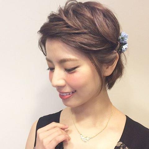 img 5a7036c400e4f.png?resize=1200,630 - 結婚式にぴったりな髪型!ショートヘアをアレンジして結婚式へ!