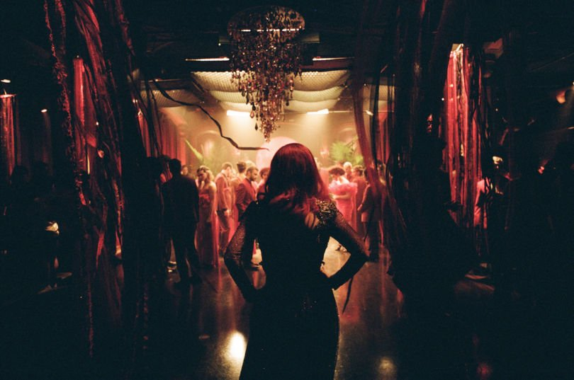 jessica-chastain-the-death-and-life-of-john-f-donovan-ballroom-810x537