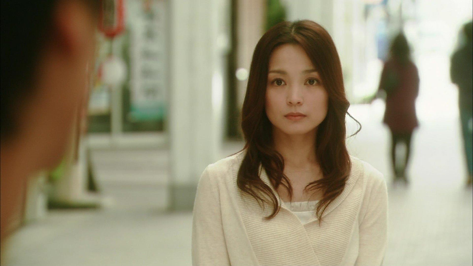 kuninaka ryoko kiss scene 08dd2d21 - 国仲涼子のキスシーンが凄いらしい!話題のキスシーン徹底研究