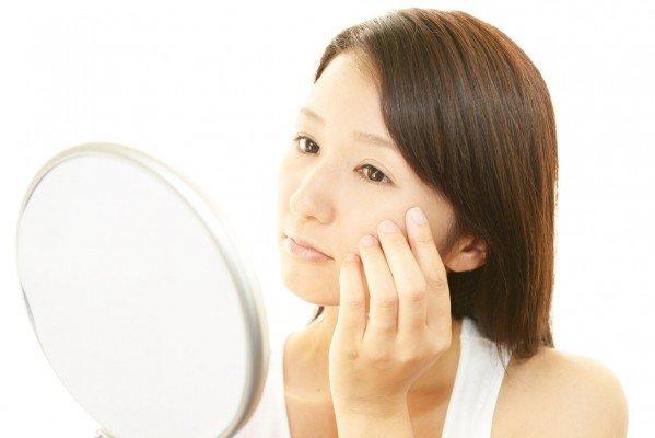marugao osusume hair style Fotolia 53332213 Subscription Monthly M 599x400 - 丸顔でも大丈夫!小顔に見えるおすすめヘアスタイル