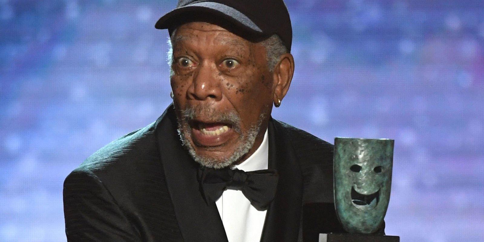morgan freeman says hi landscape 1516609766 morgan freeman sag awards - Morgan Freeman interrompt son discours aux SAG Awards et tout le monde se demande pourquoi