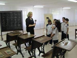 nelma-marcal-sobre-o-uso-da-palmatoria-como-instrumento-de-apoio-pedagogico-na-escola-tradicional