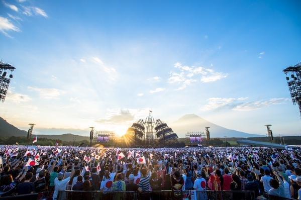 o0599039813405942904 - チケットはあまり売れず…話題だけだった長渕剛の富士山ライブ