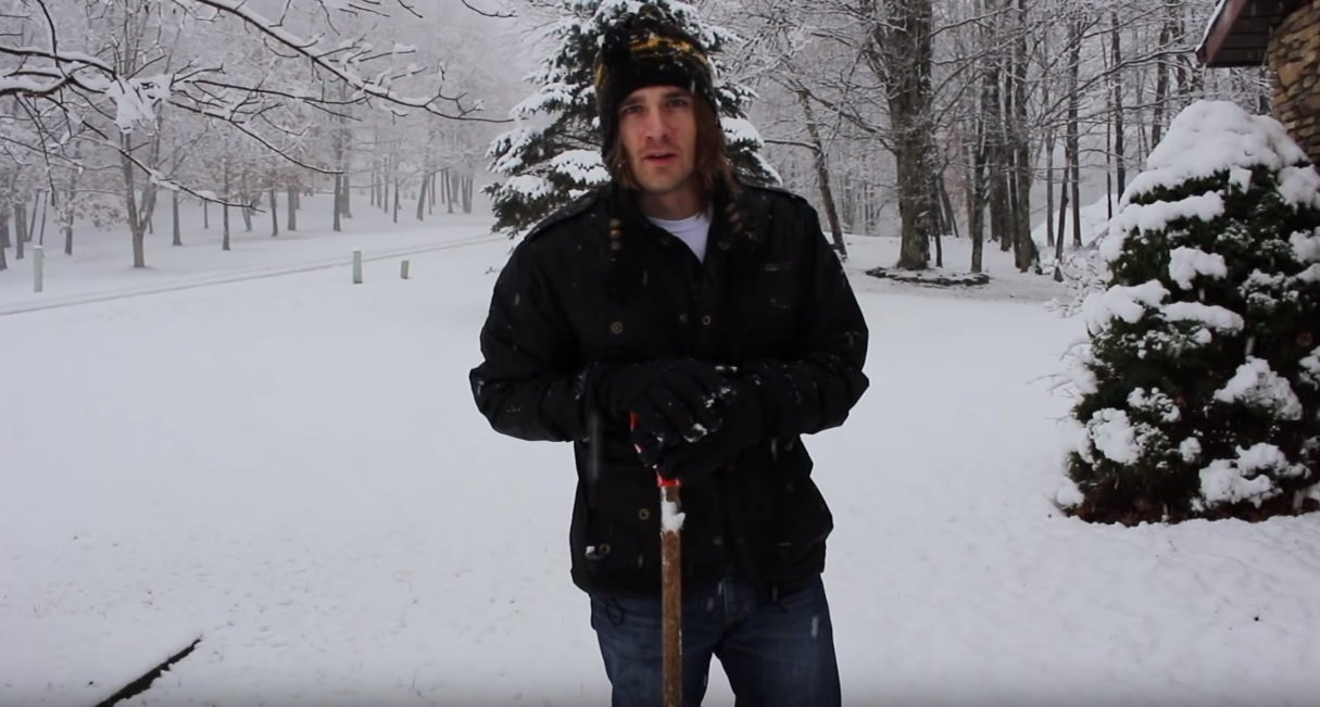 real way to remove snow Joshua Jordan1 - Man Shows The Real Way To Remove Snow