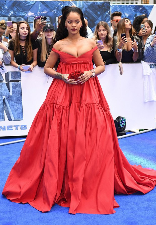 rihanna-red-dress-cleavage-embed
