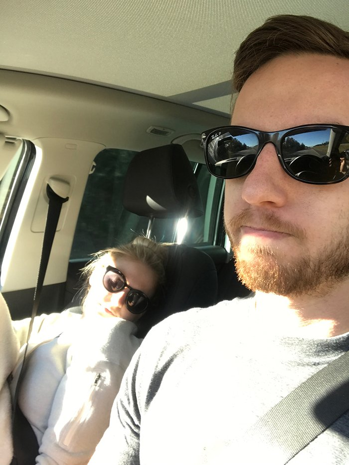 road-trip-sleeping-wife-pictures-husband-mrmagoo21-10-5a434c90e43ab__700