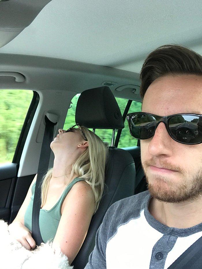 road-trip-sleeping-wife-pictures-husband-mrmagoo21-16-5a434c9e2857b__700
