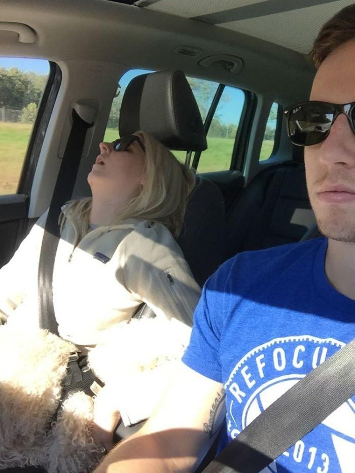 road-trip-sleeping-wife-pictures-husband-mrmagoo21-19-5a434ca50849b__700
