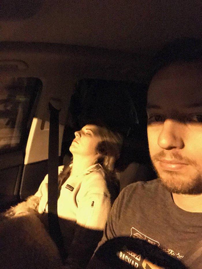 road-trip-sleeping-wife-pictures-husband-mrmagoo21-20-5a434ca765fbf__700