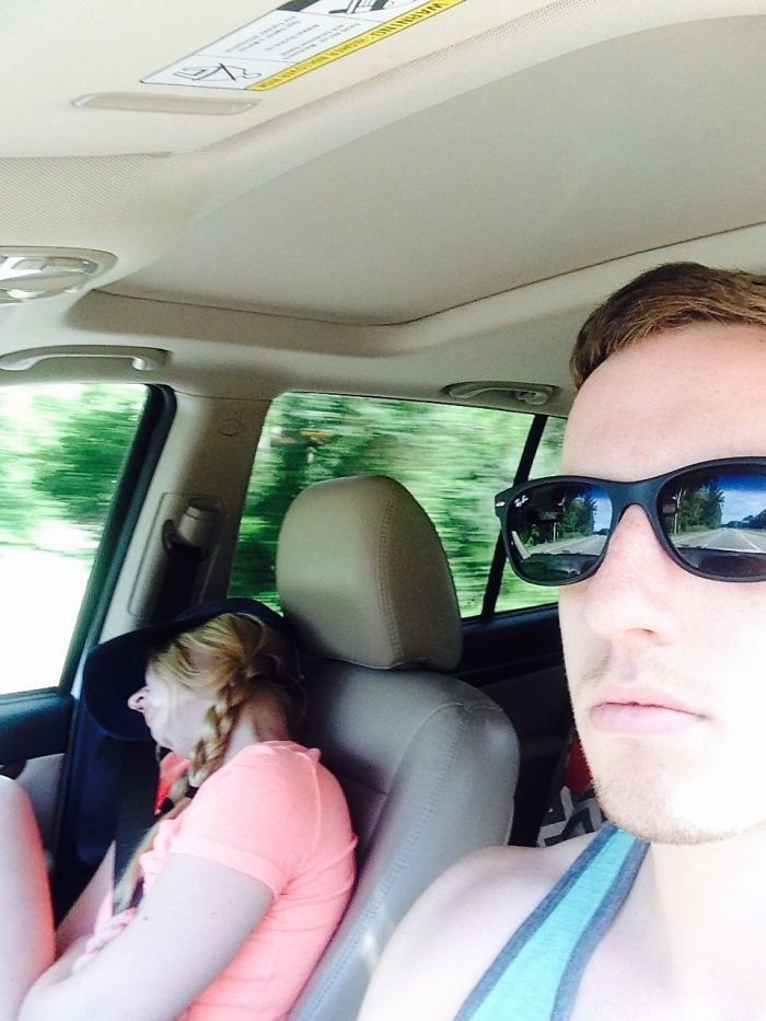road-trip-sleeping-wife-pictures-husband-mrmagoo21-4-5a434c82b55db__700
