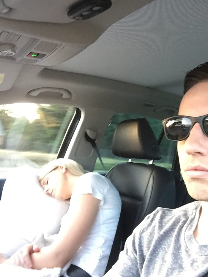 road-trip-sleeping-wife-pictures-husband-mrmagoo21-5-5a434c84eed87__700