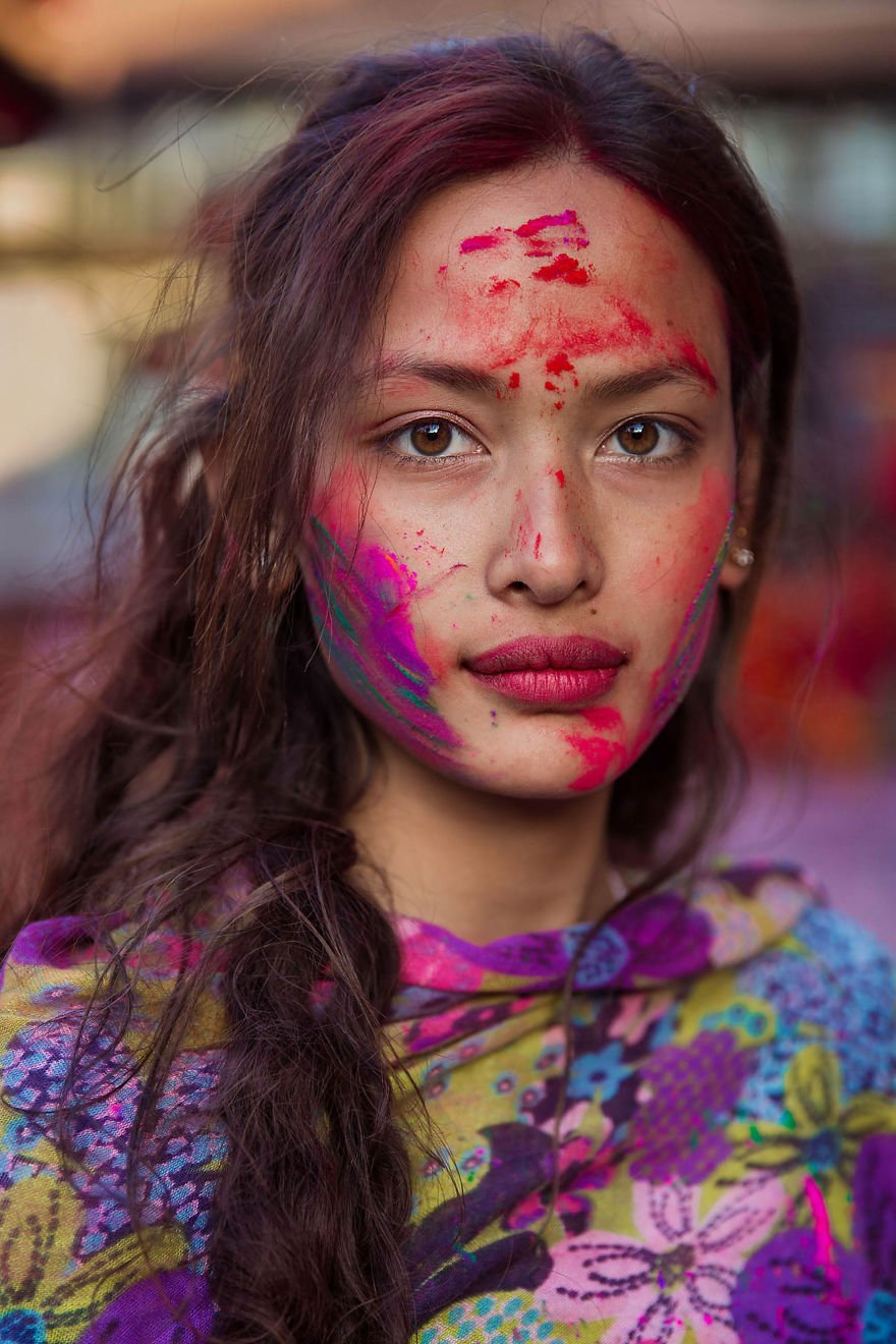 "she photographed women in 60 countries to change the way we see beauty 59f0421301a7a  880.jpg?resize=300,169 - A Photographer Amazes Everyone With Her Project Called ""The Atlas Of Beauty"", A Book with 500 Portraits And Many Heart-Touching Stories"