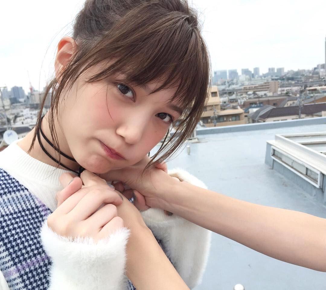 short honda tsubasas hairstyle Cz68wMyVEAIy1ou - ショートスタイルに憧れる!本田翼の髪型に注目!