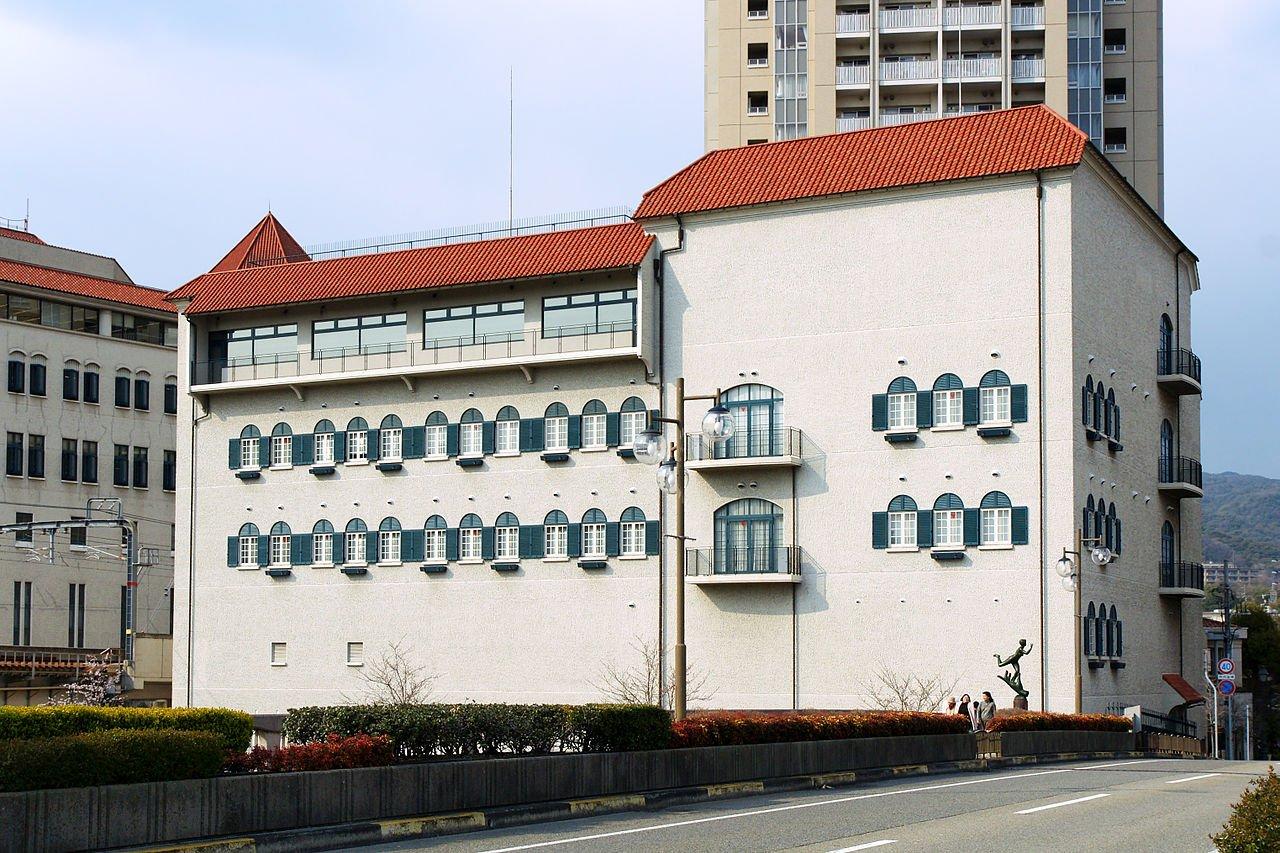 Takarazuka Music School01n3000.jpg