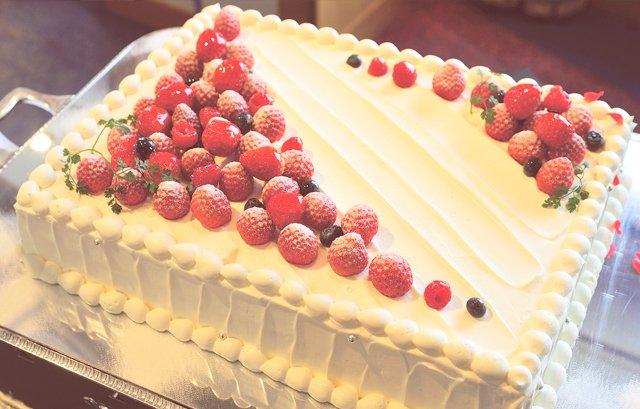 Image result for フレッシュケーキ 結婚式