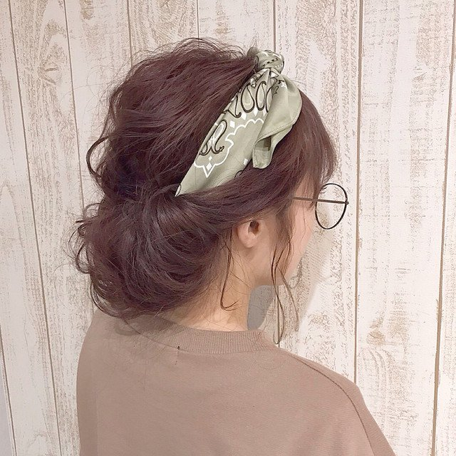 Image result for ヘアバンド 入れ込む