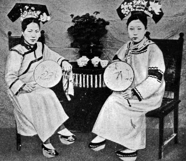 womens customs in china a2b354685924ecc5fcbb8ddef98c741e - 中国の女性の風習纏足(てんそく)とは?