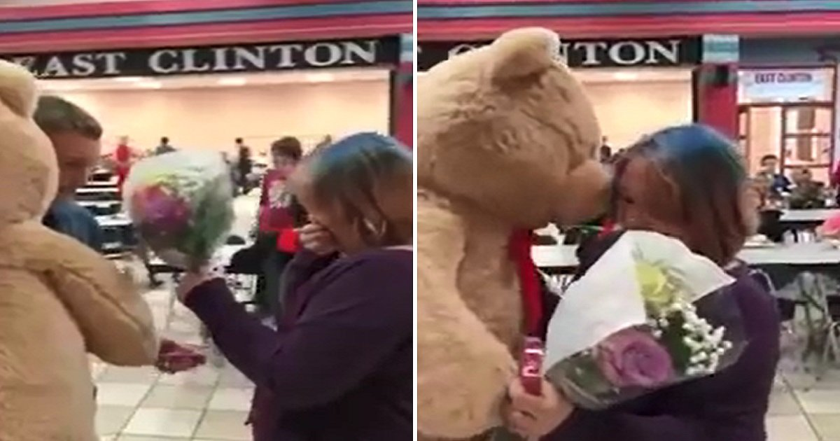 1 399.jpg?resize=636,358 - Bullied Girl Receives Surprise Vday Gift From a Family Friend, the Kind Gesture Goes Viral