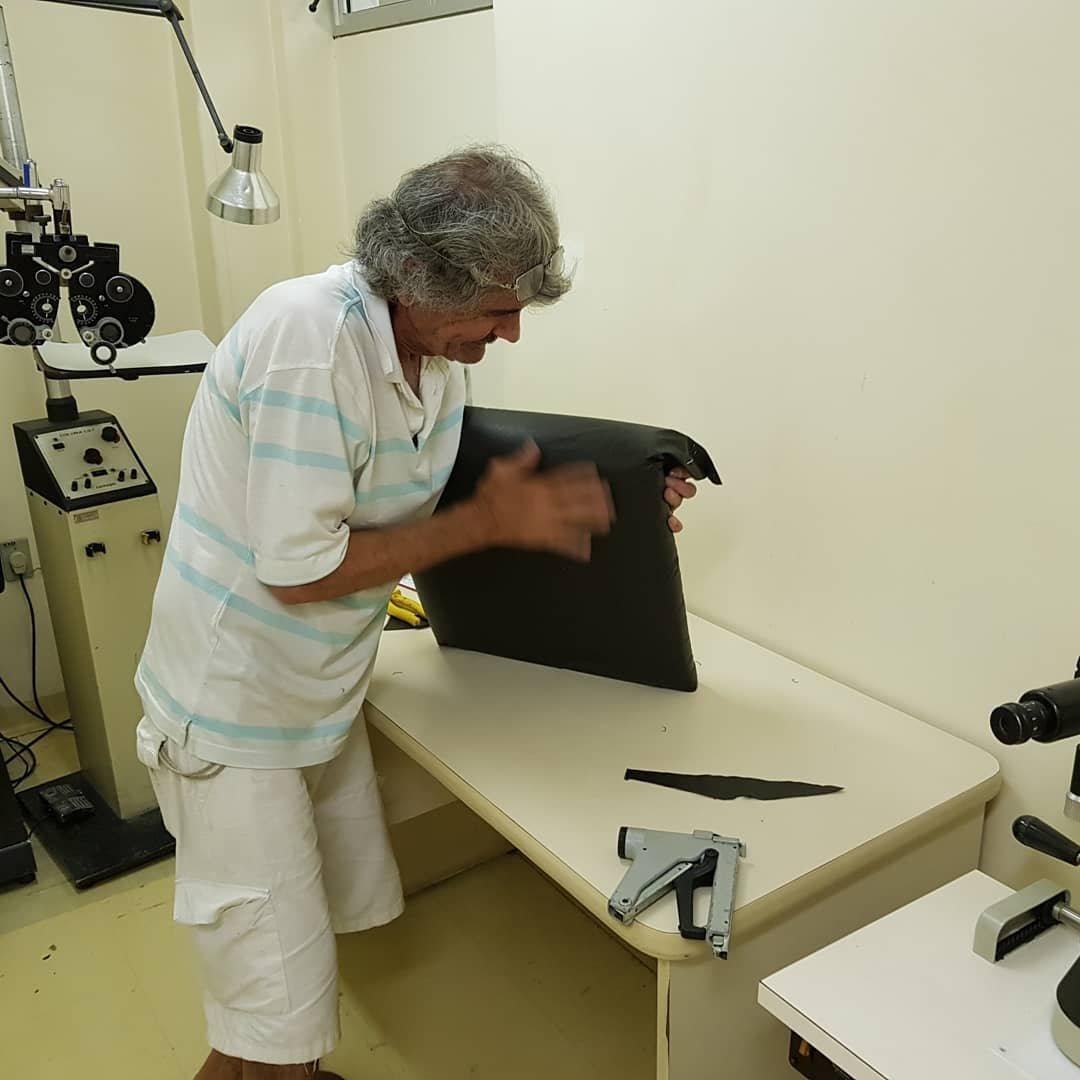 27503279 1703627479701633 7898623148241255038 o 300x300 - Paciente de hospital decide consertar as cadeiras velhas do local para dar mais conforto aos outros pacientes