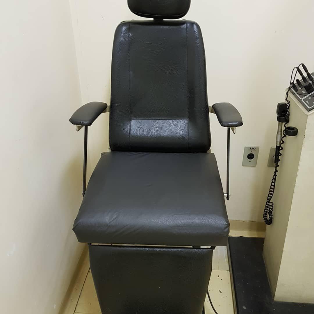 27503996 1703627533034961 2863390079780666028 o 300x300 - Paciente de hospital decide consertar as cadeiras velhas do local para dar mais conforto aos outros pacientes