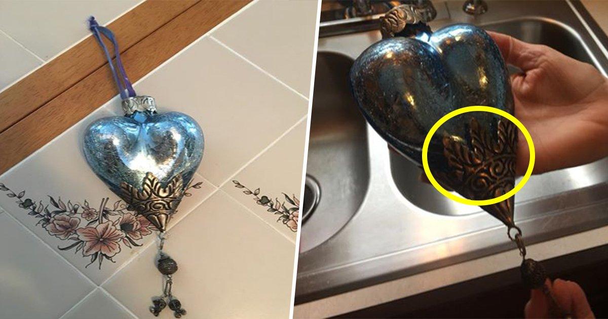 7ec8db8eb84ac 4.jpg?resize=300,169 - Cete femme achète une décoration à 1€ dans une friperie et découvre un secret incroyable